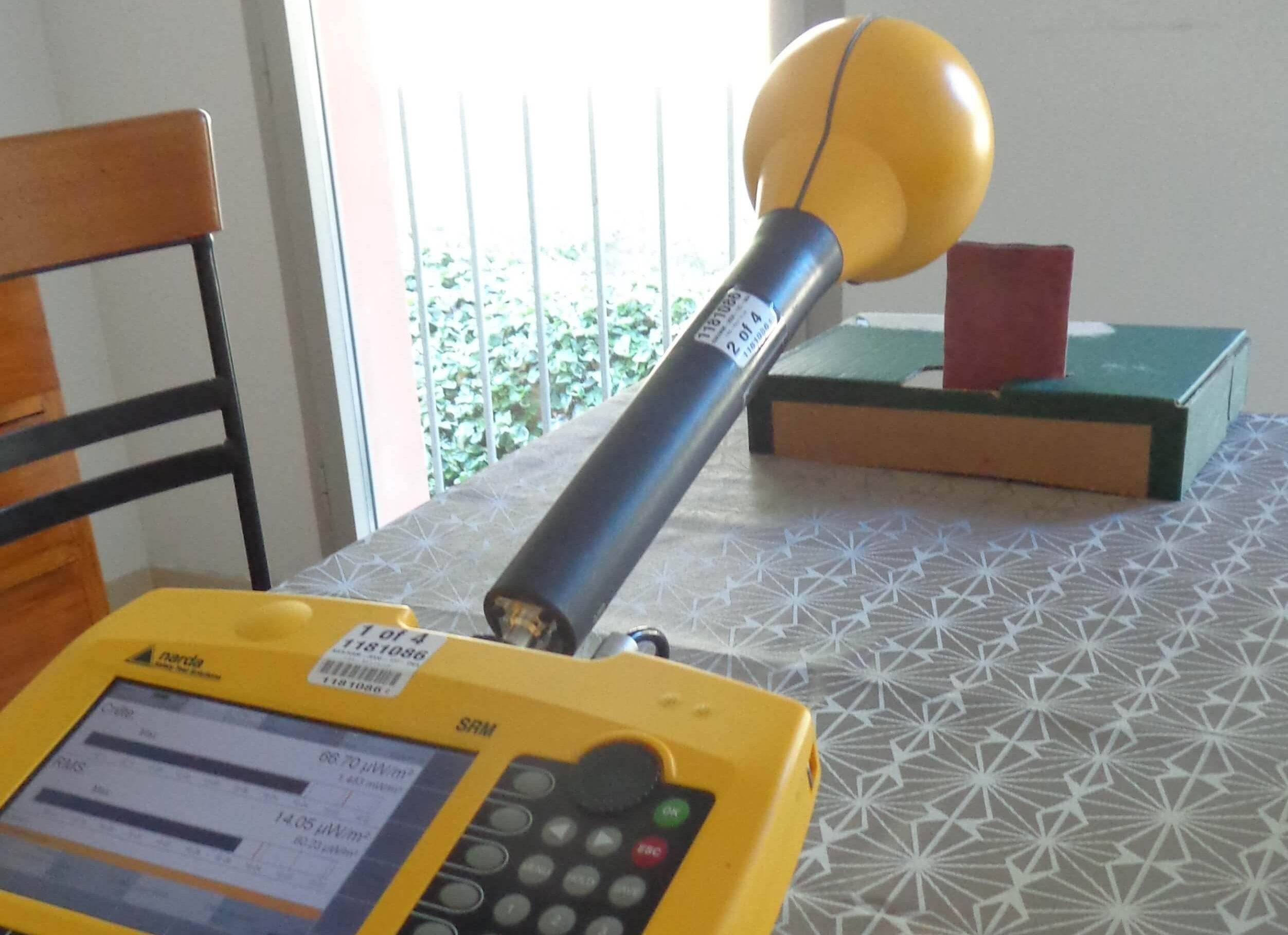 test rayonnement smartphone avec pochete anti ondes par David BRUNO